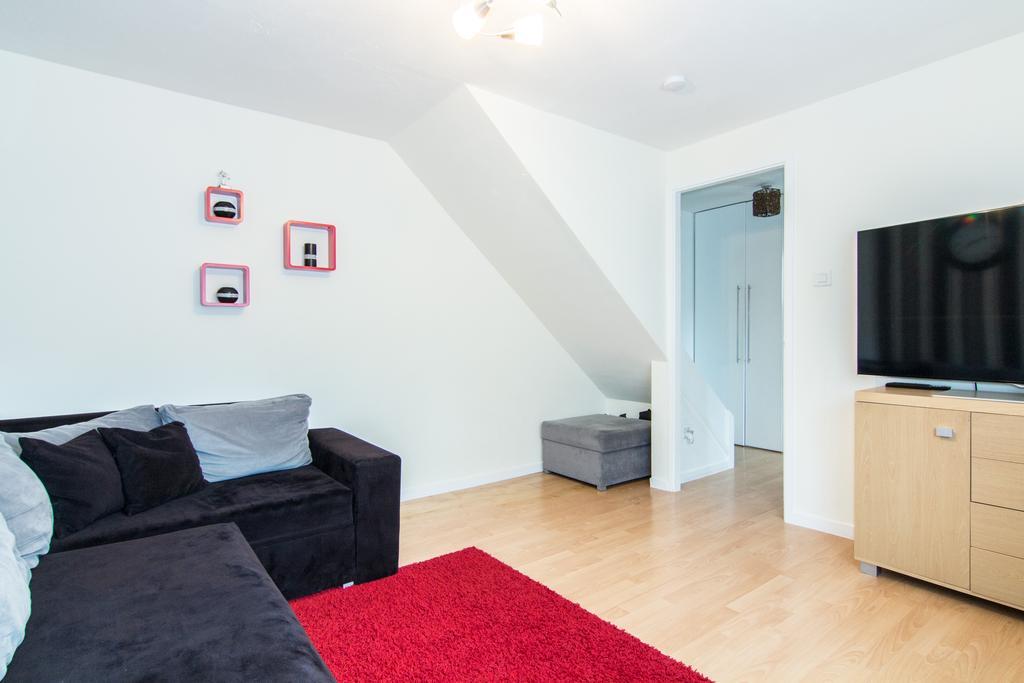 1 Bedroom House for sale in Concord Close, Northolt