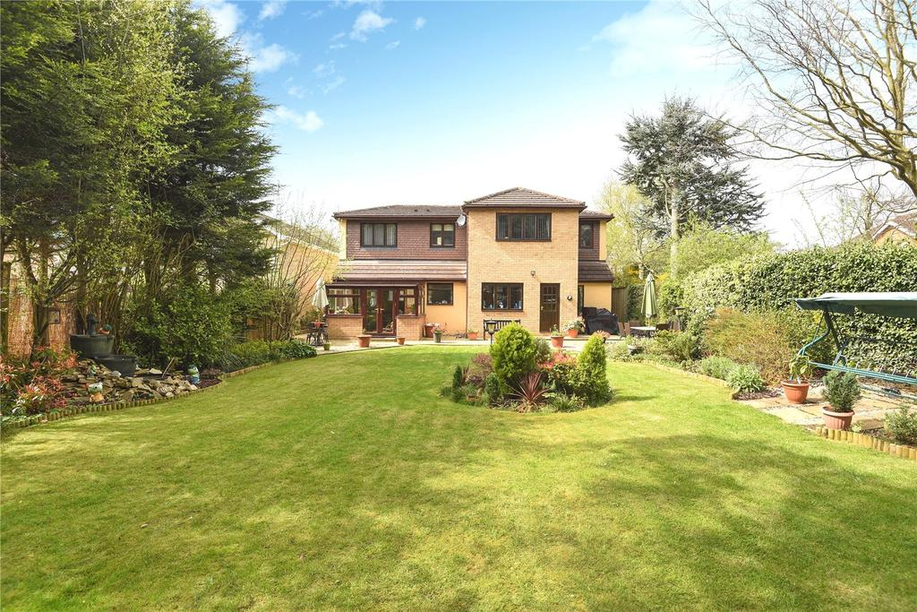 5 Bedrooms Detached House for sale in Chantry Close, Great Billing Village, Northampton, NN3