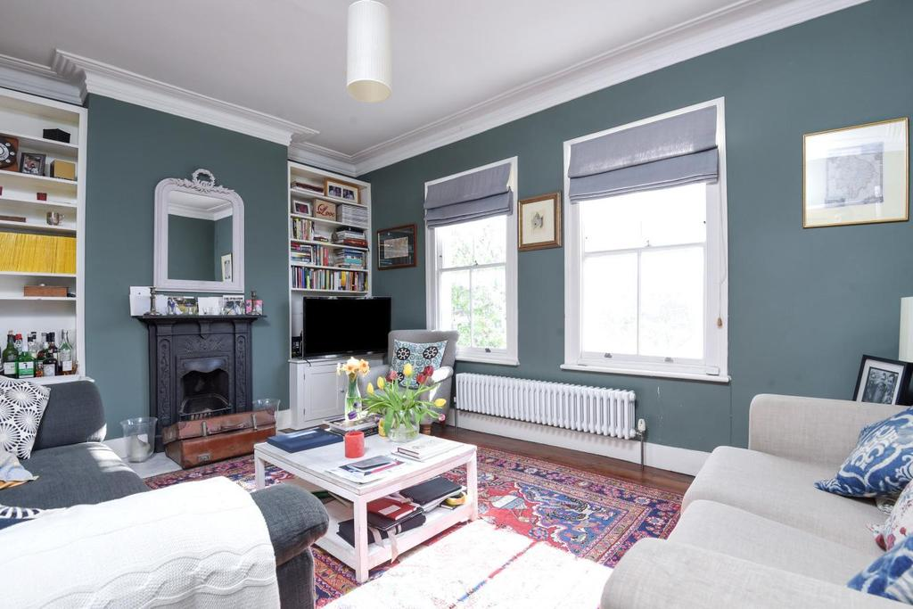 2 Bedrooms Flat for sale in Crimsworth Road, Vauxhall, SW8