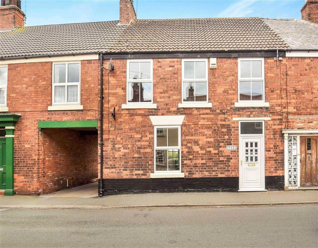 3 Bedrooms Terraced House for sale in Main Street, Preston, HU12