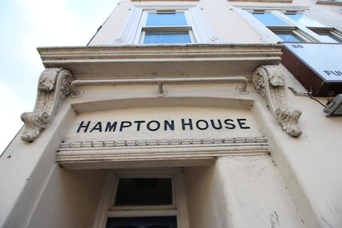 2 bedroom apartment for sale - Hampton House, Ware Road, Hertford SG13