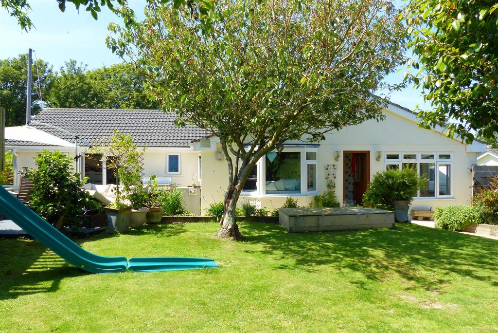 3 Bedrooms Detached Bungalow for sale in Roseland