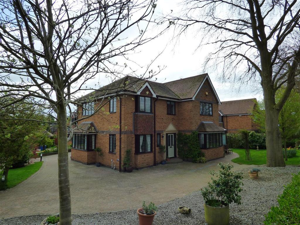 5 Bedrooms Detached House for sale in 7 Thornleys, Cherry Burton, Beverley, East Yorkshire, HU17 7SJ