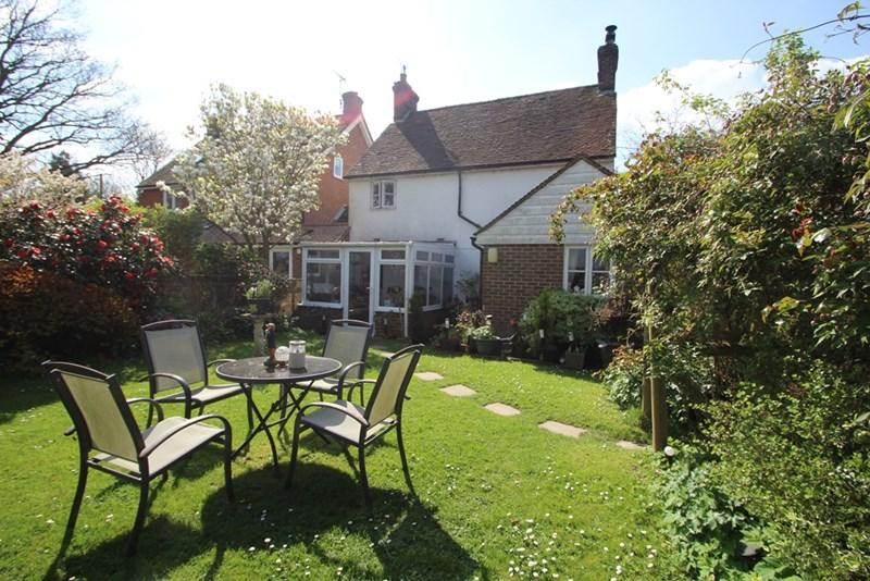 3 Bedrooms Village House for sale in Muddles Green, chiddingly, Lewes