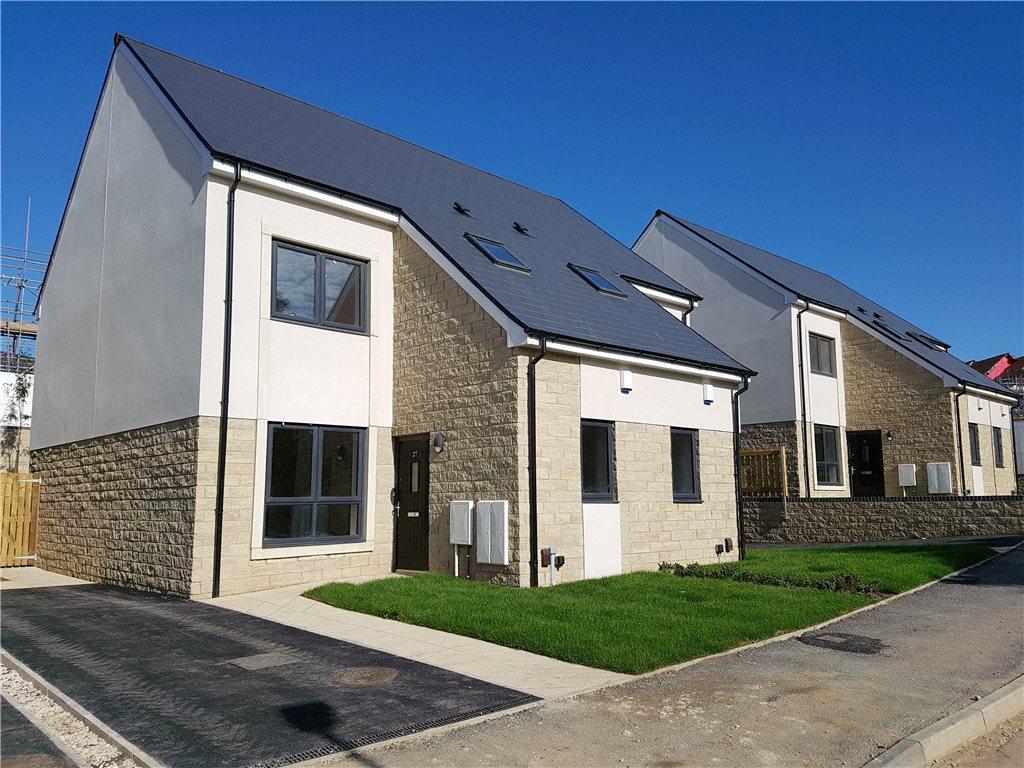 3 Bedrooms Semi Detached House for sale in Ferniehurst Park, Cliffe Lane West, Baildon