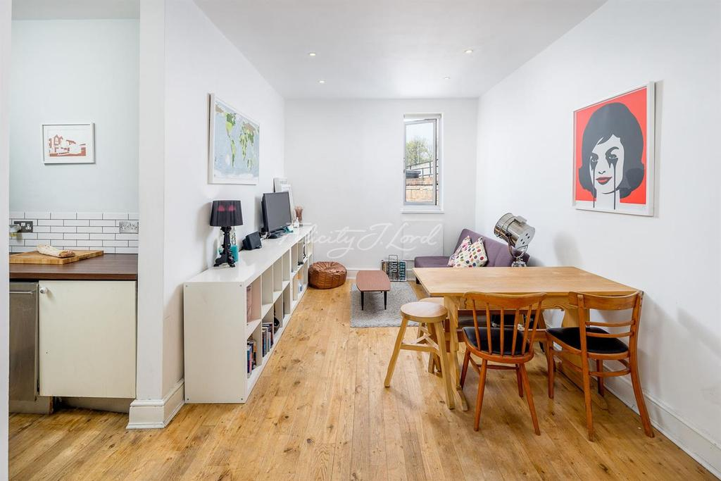 1 Bedroom Flat for sale in Mare Street, Hackney, E8