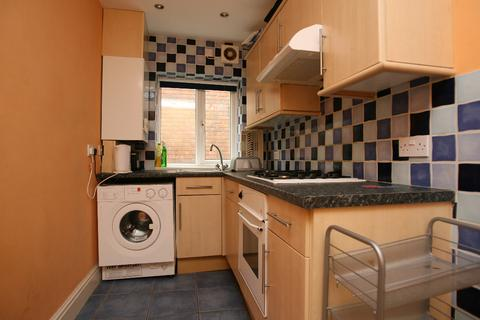 8 bedroom house share to rent - Saisbury Road, Cathays, Cardiff