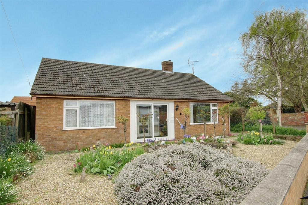 3 Bedrooms Detached Bungalow for sale in 5 Holywell Road, Alford, Lincolnshire