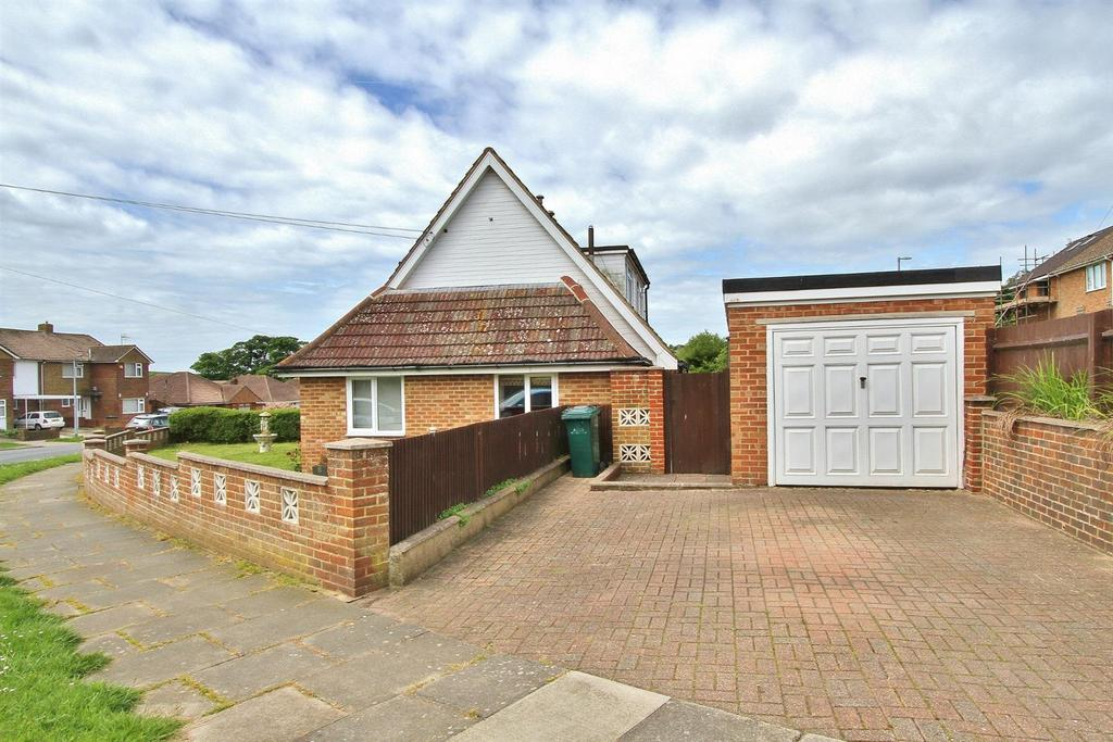 3 Bedrooms Detached House for sale in Kipling Avenue, Woodingdean