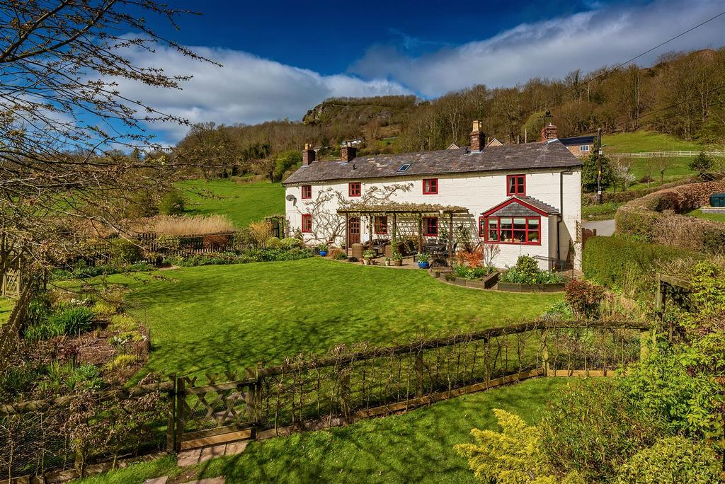 3 Bedrooms Detached House for sale in Llanymynech, Powys