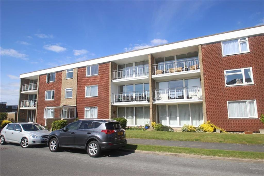 2 Bedrooms Flat for sale in Norfolk Court, Rustington, West Sussex