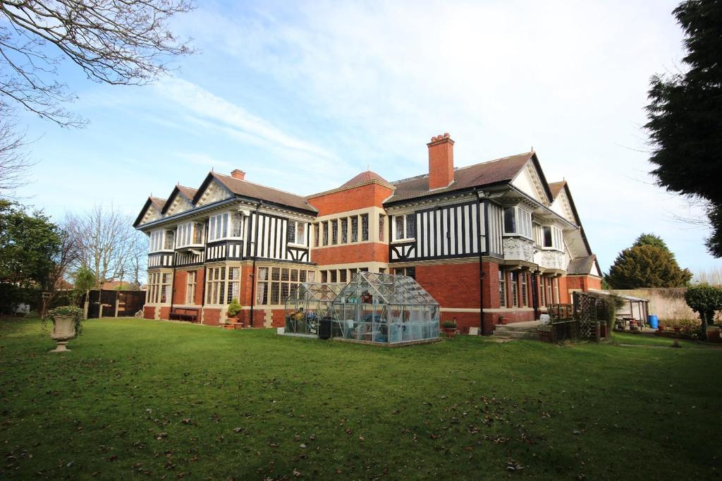 8 Bedrooms Detached House for sale in Grange Road, Hartlepool
