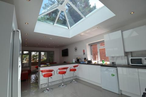 9 bedroom end of terrace house to rent - Newly refurbished 9 Double Bedroom Student House On Tiverton Road, Selly Oak 2017 - 2018
