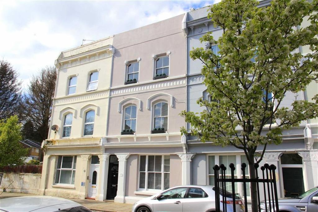2 Bedrooms Maisonette Flat for sale in Silchester Road, St Leonards On Sea