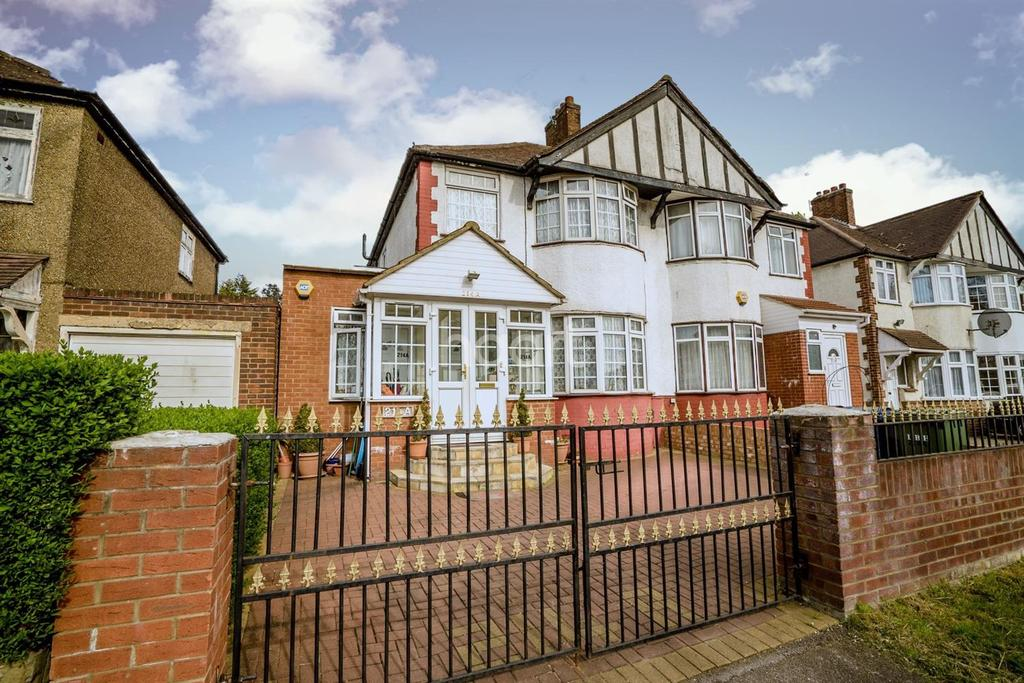 4 Bedrooms Semi Detached House for sale in Kenton Lane, Harrow, HA3