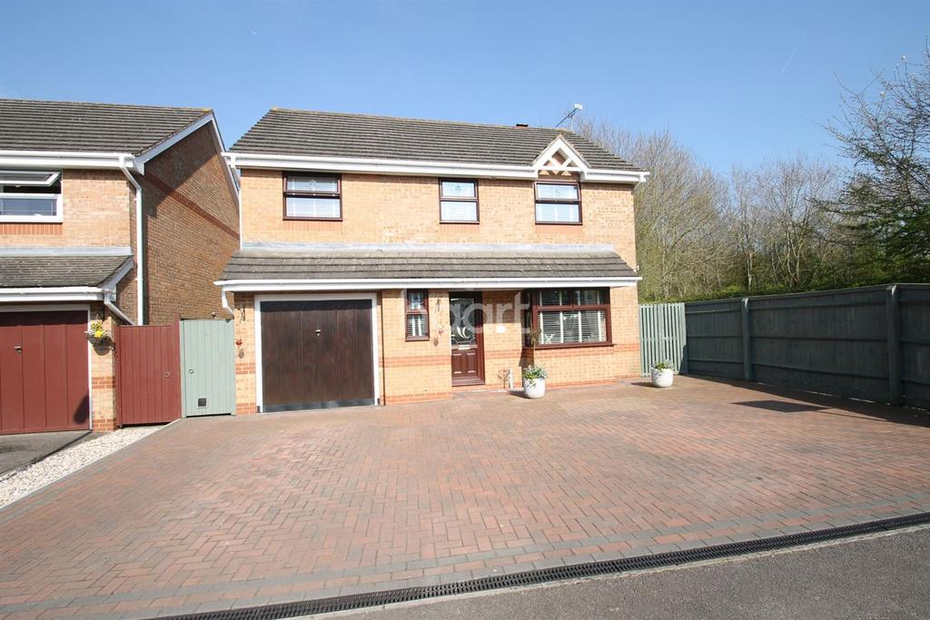 4 Bedrooms Detached House for sale in Hatherall Close,Lower Stratton