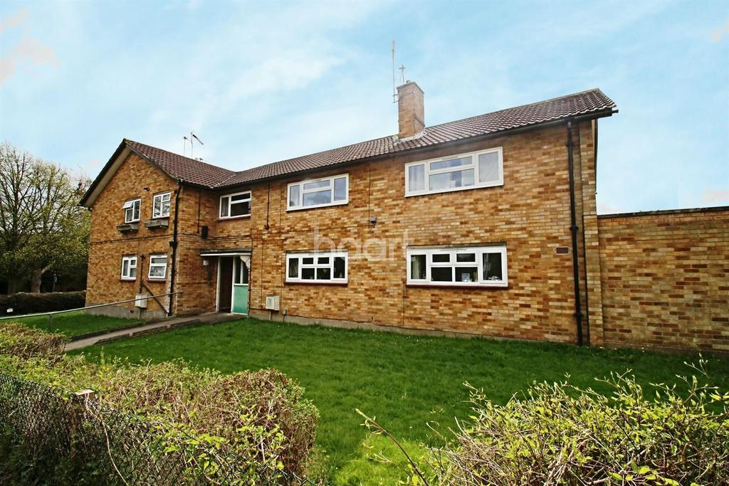 2 Bedrooms Flat for sale in The Phillipers, Watford, WD25