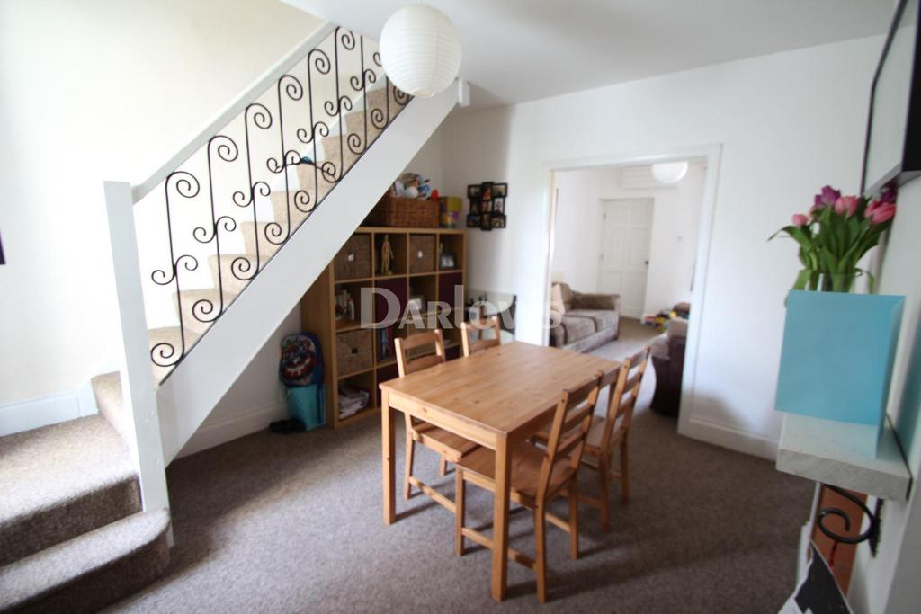2 Bedrooms Cottage House for sale in Porset Row, Caerphilly