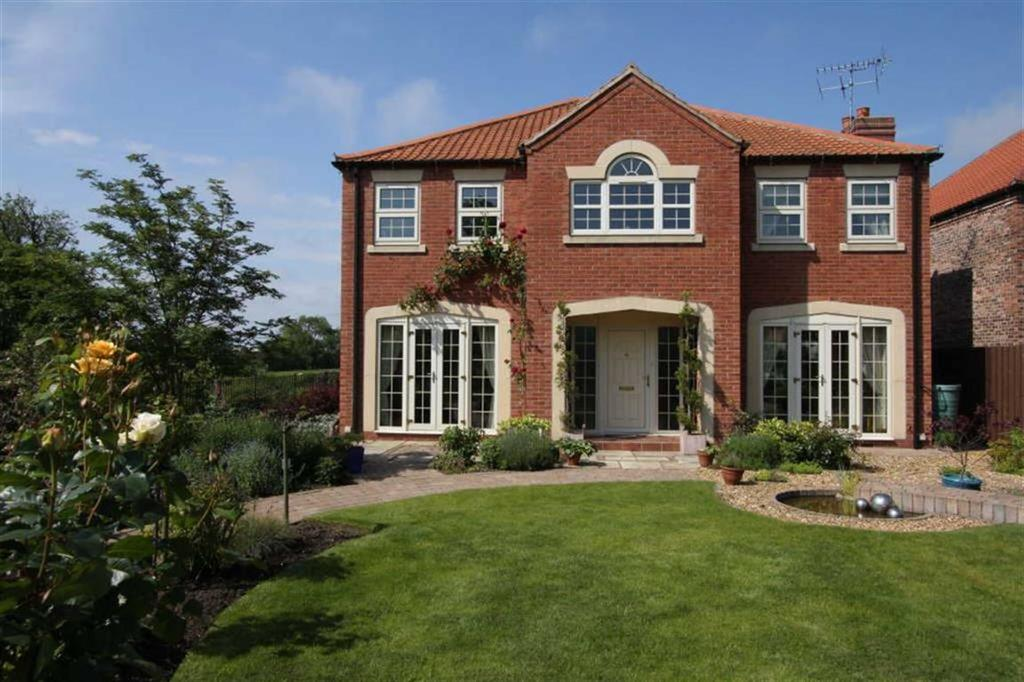 4 Bedrooms Detached House for sale in Moor Lane, Carnaby, East Yorkshire, YO16