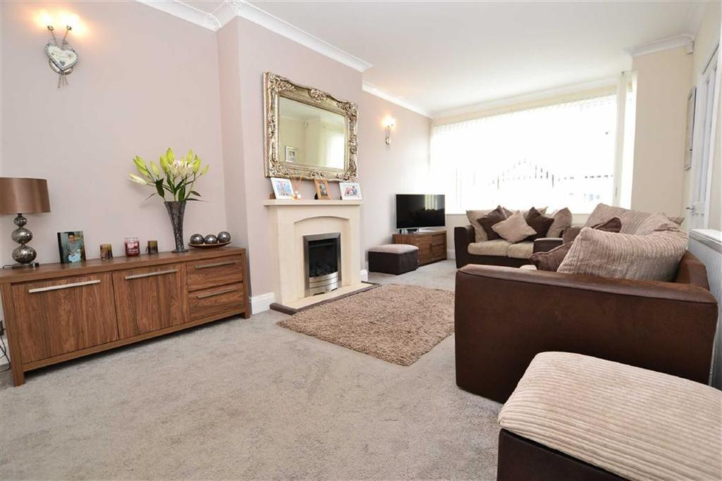 3 Bedrooms Semi Detached House for sale in Thornton Road, Burnley, Lancashire