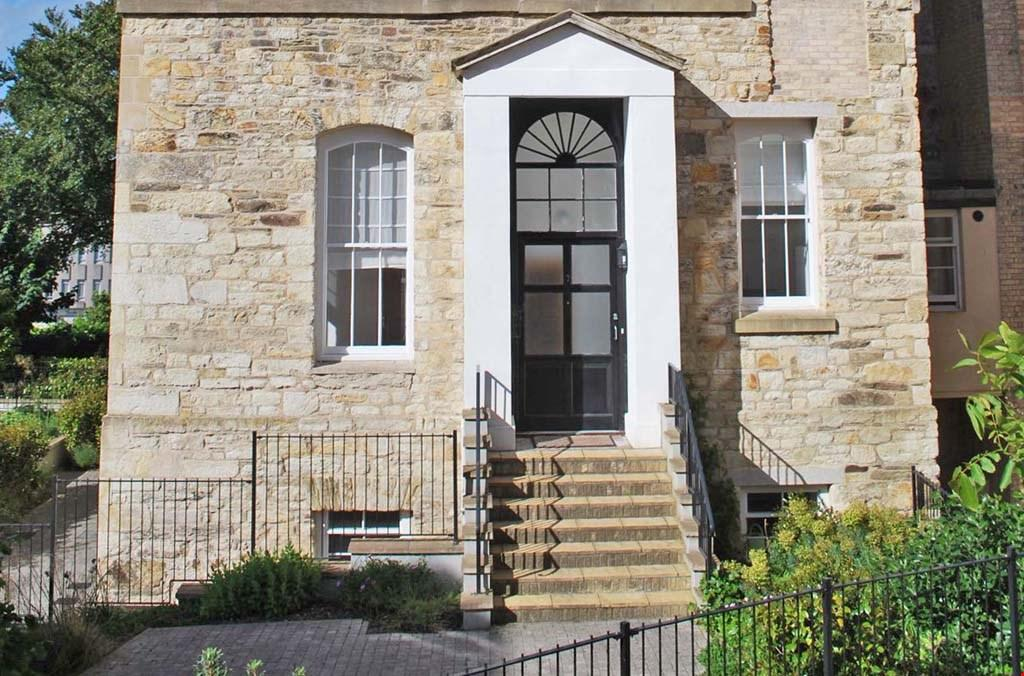 2 Bedrooms Ground Flat for sale in William Wood House, Corte Spry, Truro, Cornwall, TR1