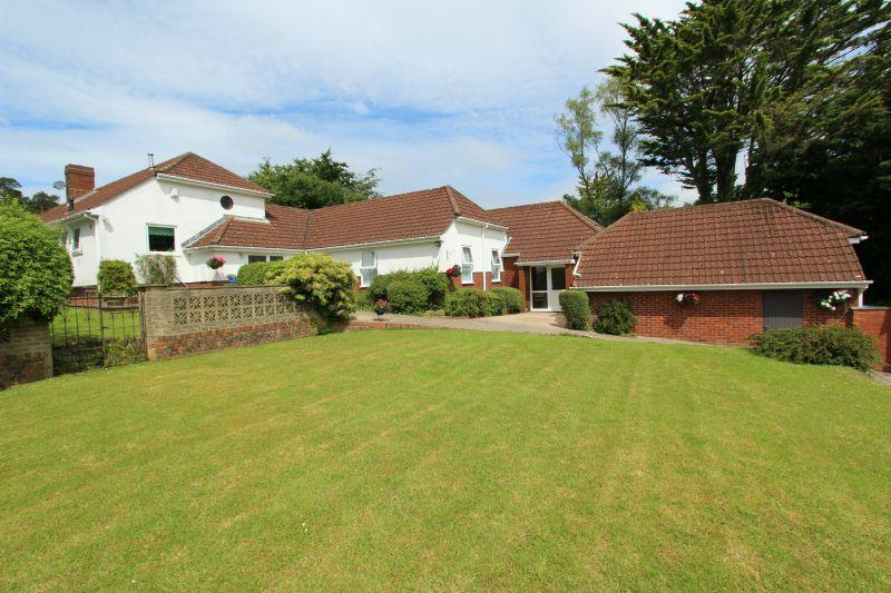 5 Bedrooms Detached House for sale in WINDMILL LANE, WEST HILL
