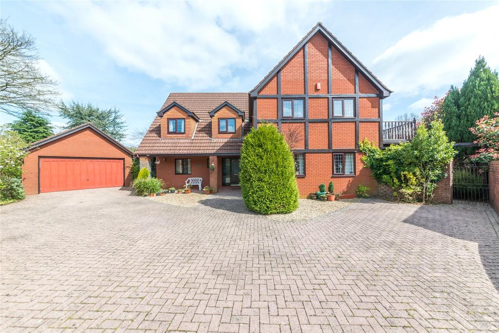 5 Bedrooms Detached House for sale in The Paddocks, Groesfaen, CF72