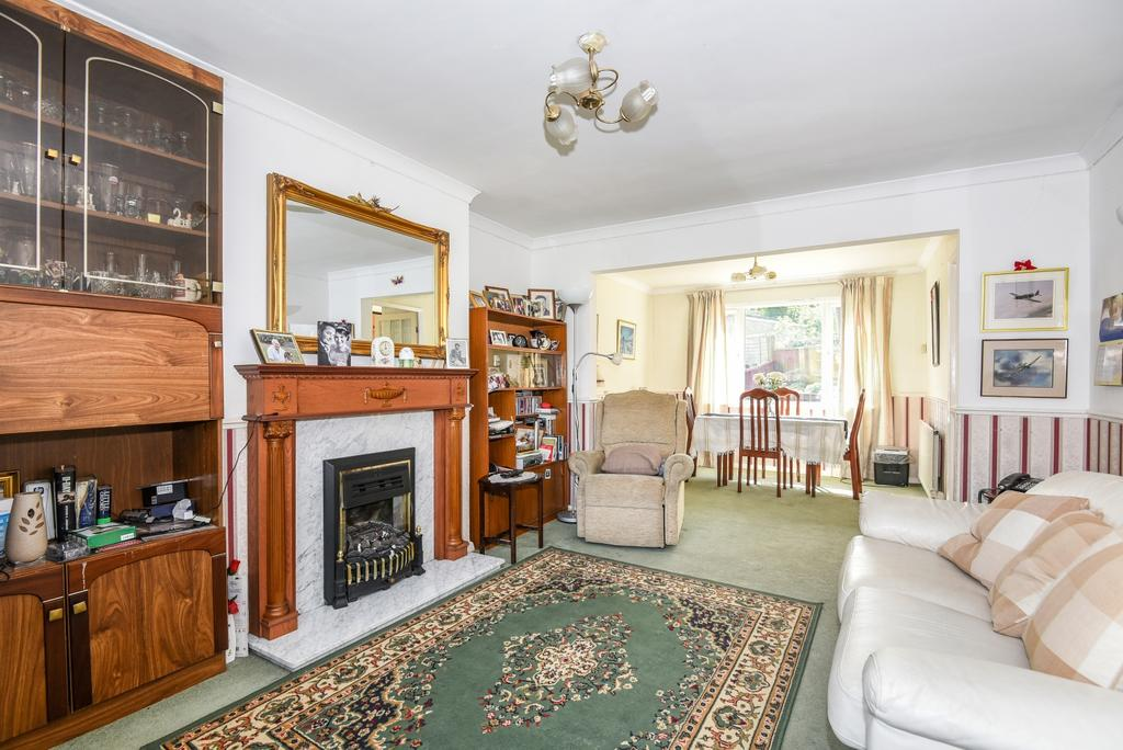 3 Bedrooms End Of Terrace House for sale in Avenue Gardens London SE25