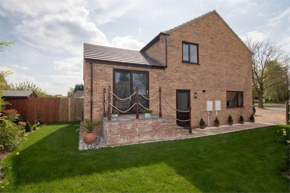 4 Bedrooms End Of Terrace House for sale in The Graylings, Boston, Lincolnshire