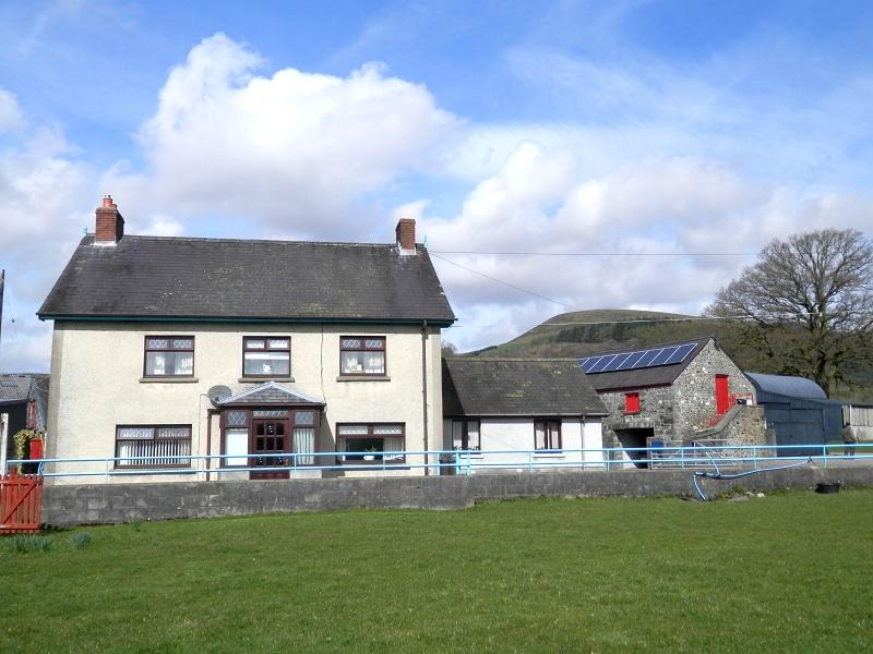 4 Bedrooms Detached House for sale in Cilycwm, Llandovery, Carmarthenshire.