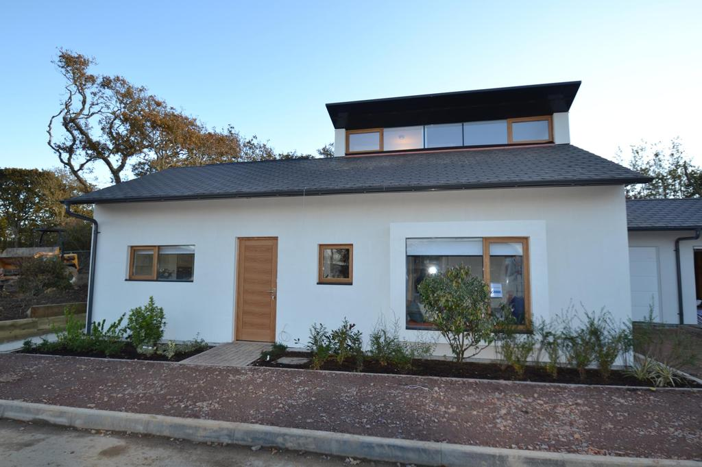 3 Bedrooms Bungalow for sale in The Sun Houses, Allenstyle