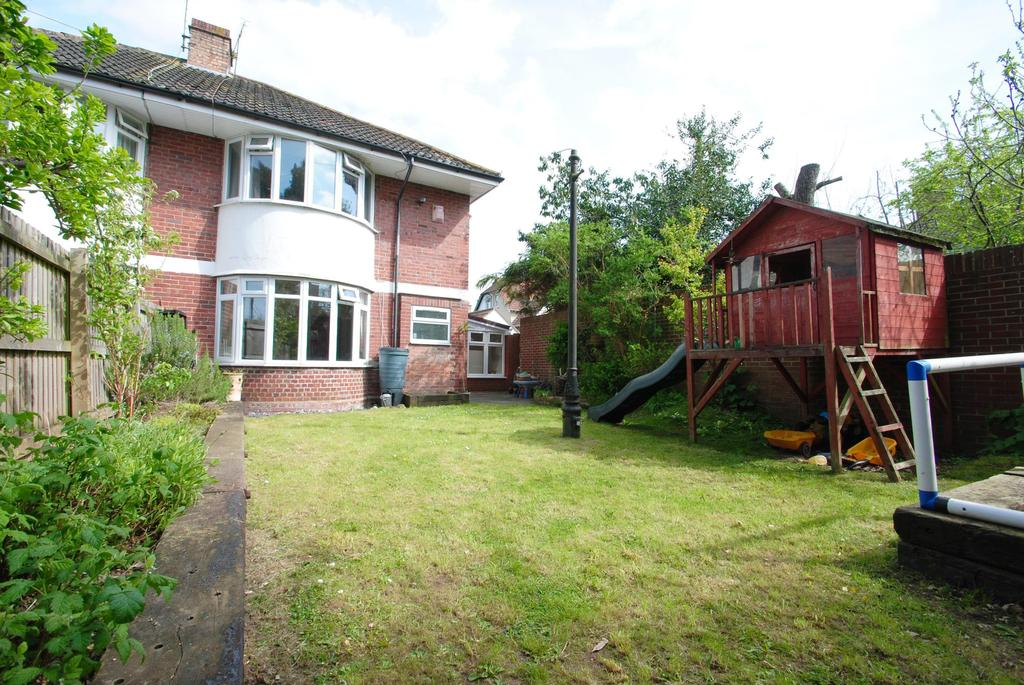 3 Bedrooms Semi Detached House for sale in Chip Lane, Taunton