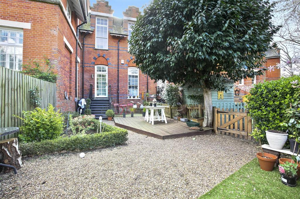 2 Bedrooms House for sale in Victory Road, London, E11