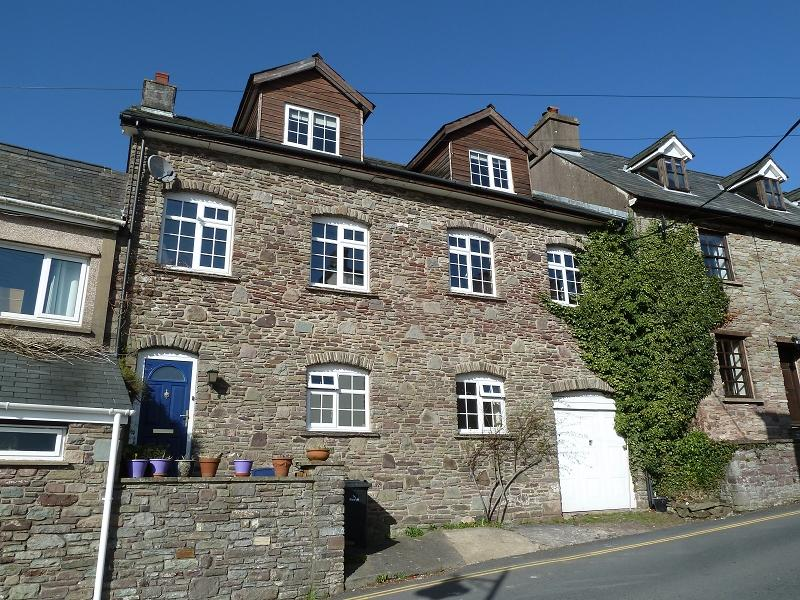 4 Bedrooms Town House for sale in Mount Street, Brecon, Powys.