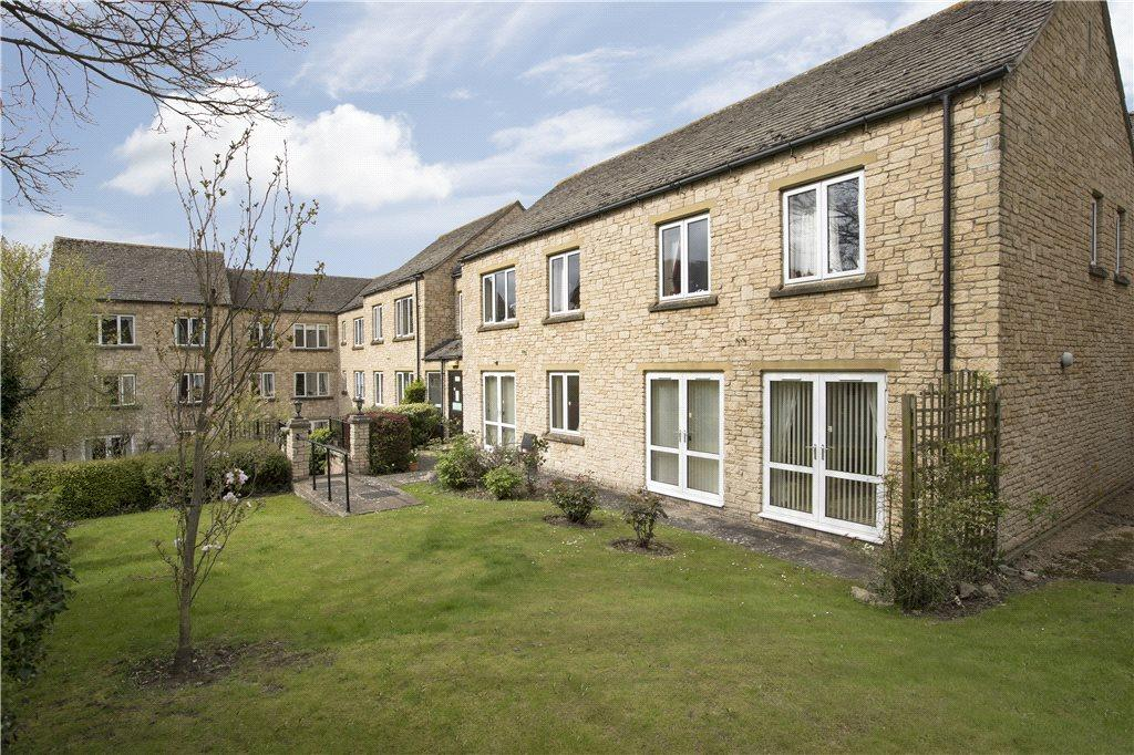 2 Bedrooms Flat for sale in Bredon Court, Station Road, Broadway, Worcestershire, WR12