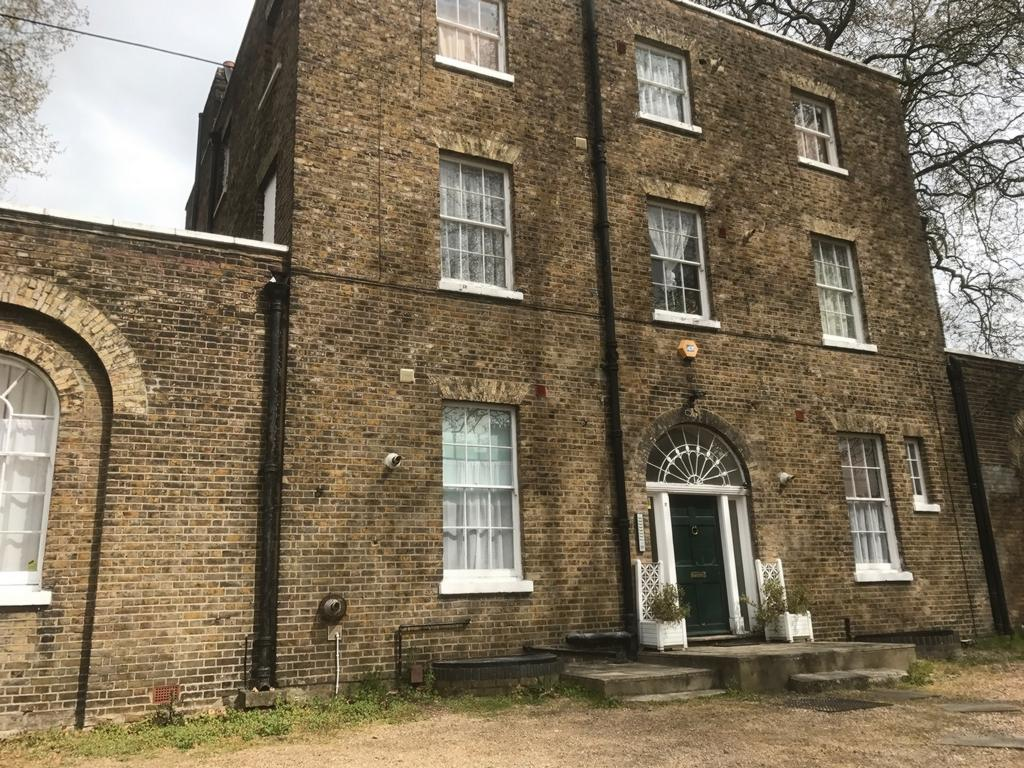 Vicarage Park Plumstead Se18 1 Bed Flat To Rent 900 Pcm 208 Pw