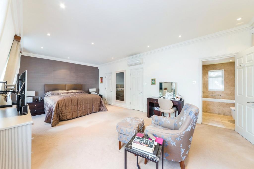 3 Bedrooms Flat for sale in Green Street, Mayfair, London