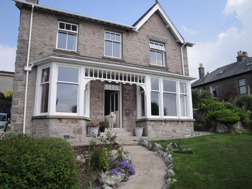 4 Bedrooms Detached House for sale in Feltern, 26 Grange Fell Road