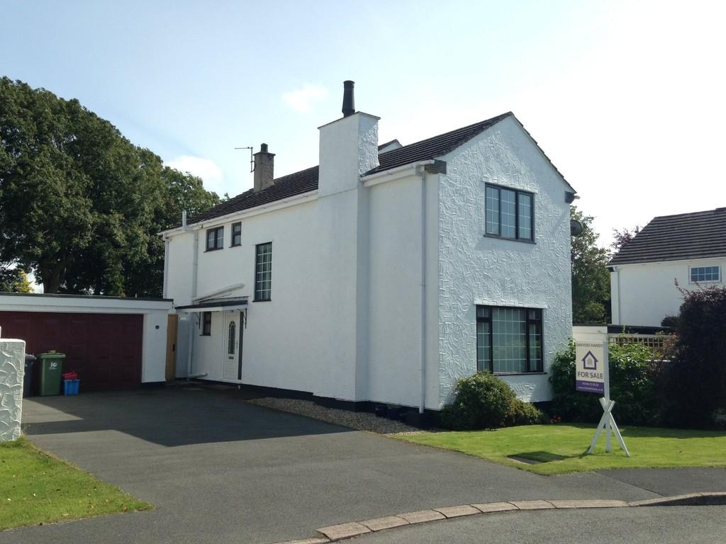 4 Bedrooms Detached House for sale in Maes Y Coed, Talwrn, North Wales