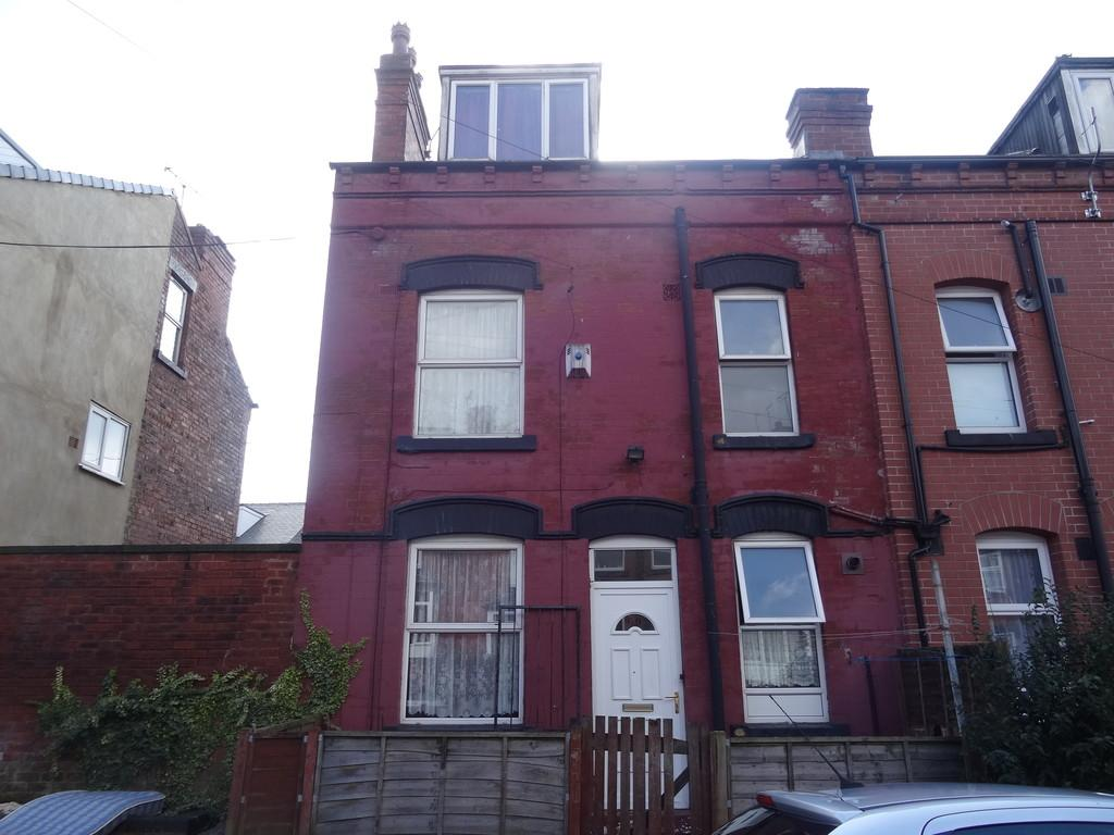 3 Bedrooms Terraced House for sale in Bayswater Terrace - Harehills