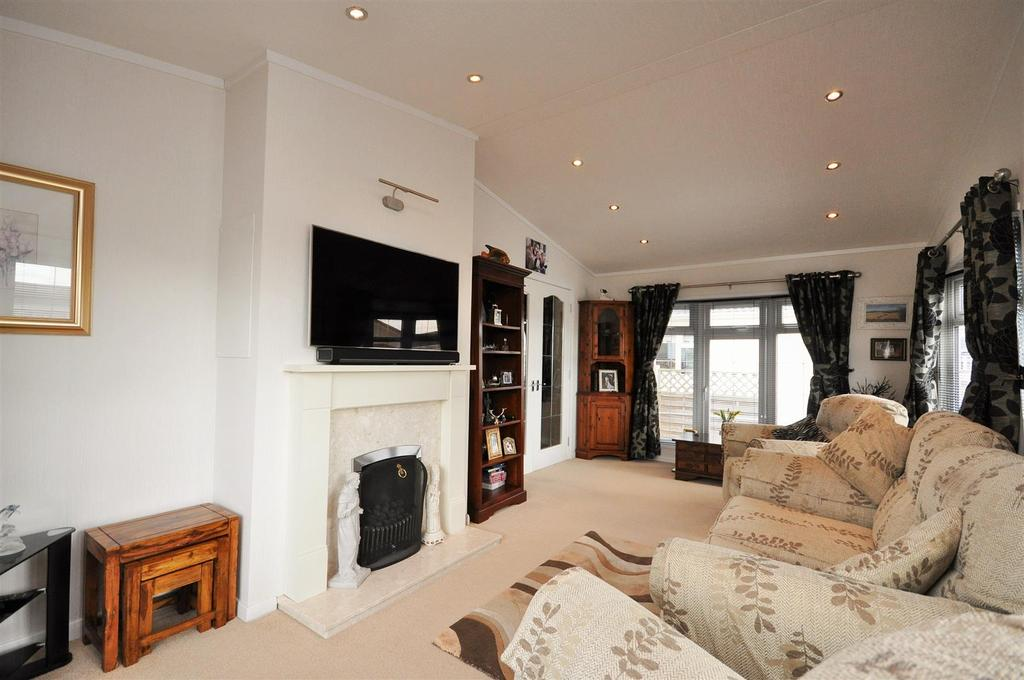2 Bedrooms Retirement Property for sale in Swanlow Drive, Acaster Malbis, York