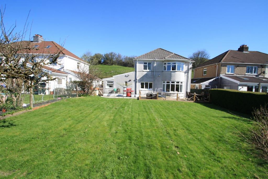 3 Bedrooms Detached House for sale in Park Place, Beaufort, Ebbw Vale, Gwent