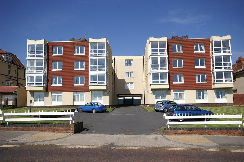 2 Bedrooms Apartment Flat for sale in Cliffe Court, Seaburn