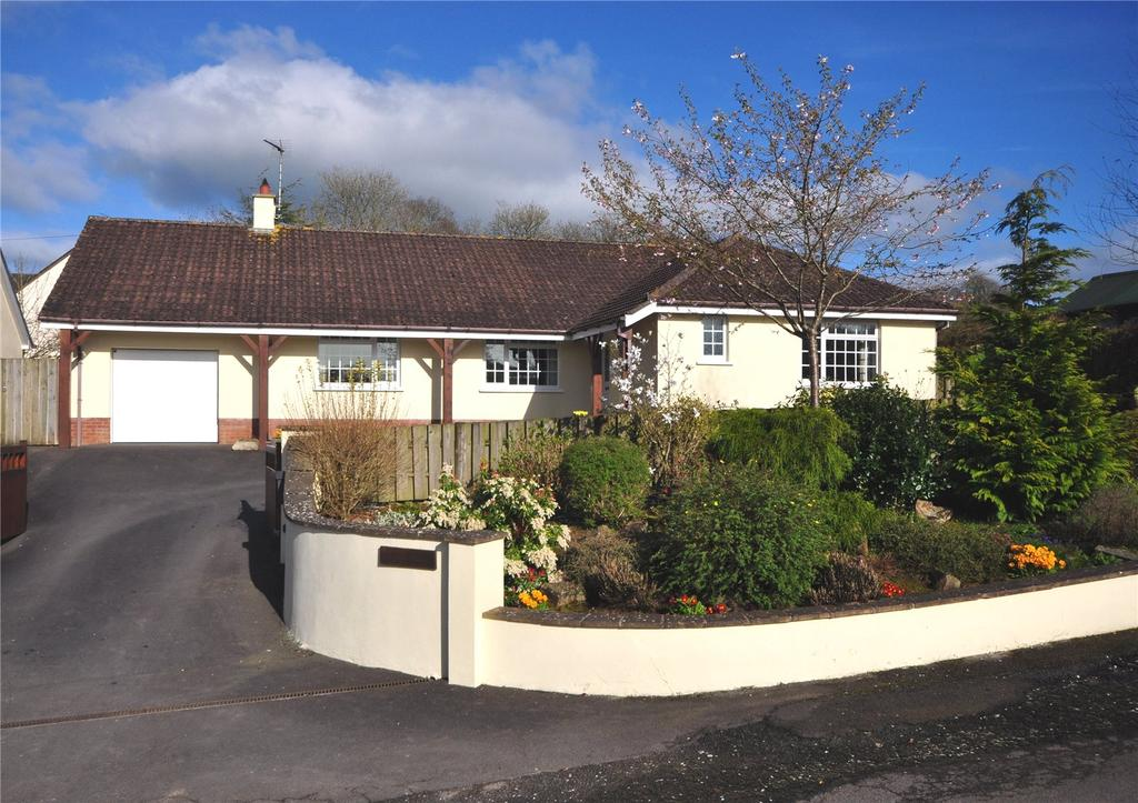 3 Bedrooms Bungalow for sale in Meshaw, South Molton, Devon, EX36