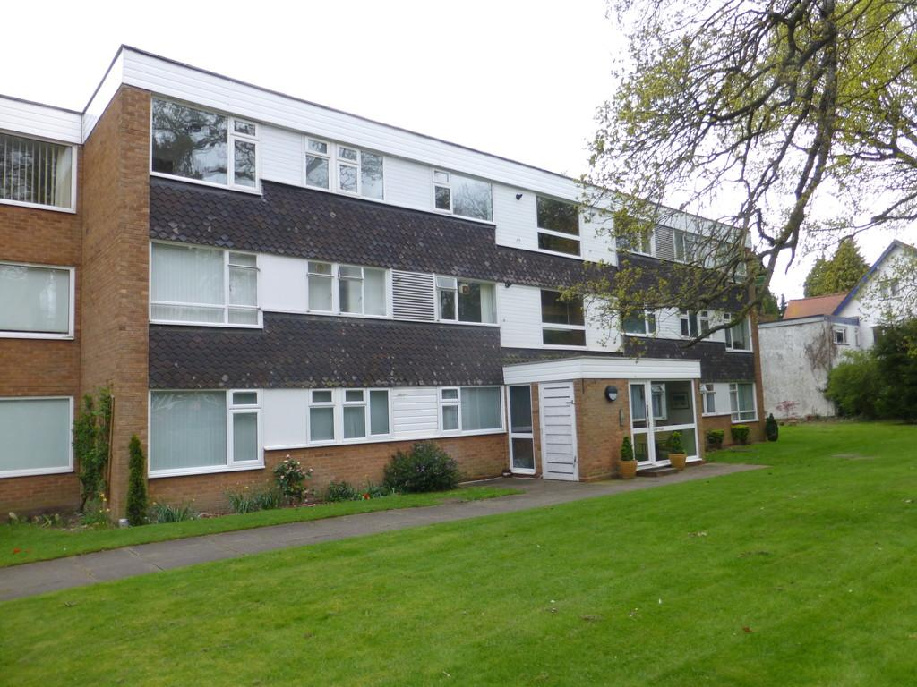 2 Bedrooms Apartment Flat for sale in Warwick Road, Solihull