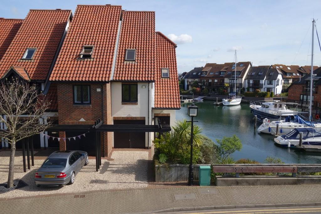 3 Bedrooms Town House for sale in Endeavour Way, Hythe Marina Village