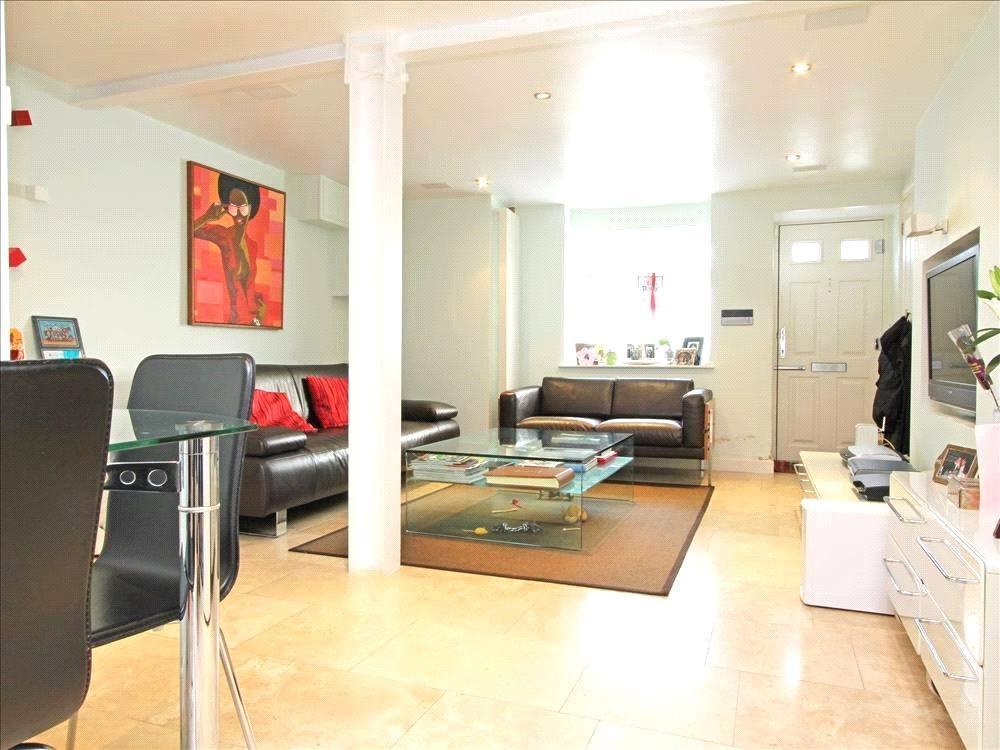 4 Bedrooms House for sale in Este Road, London, SW11