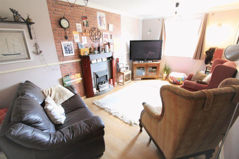 2 Bedrooms Apartment Flat for sale in Alberta House, Highfield Road, Longlands, Middlesbrough, TS4 2NP