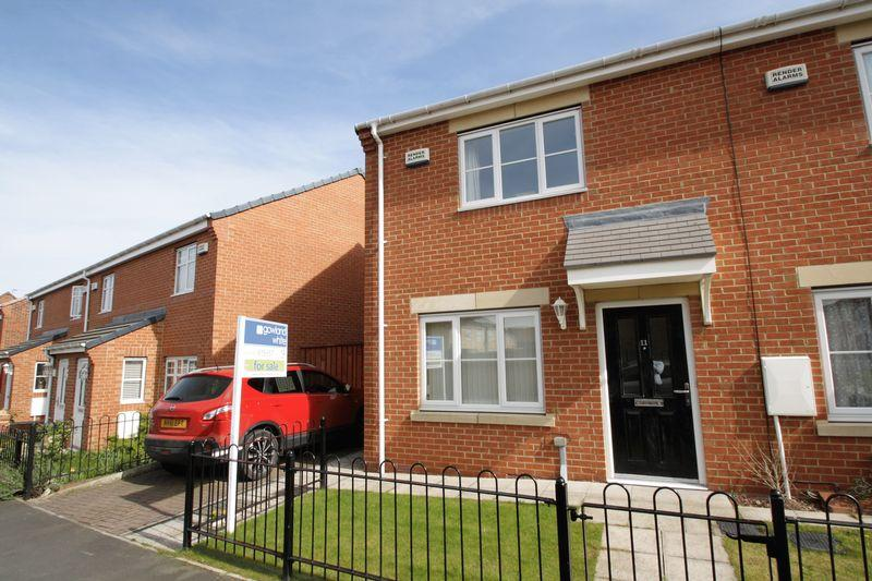 3 Bedrooms End Of Terrace House for sale in Merton Road, Acklam Green, Middlesbrough, TS5 4GL