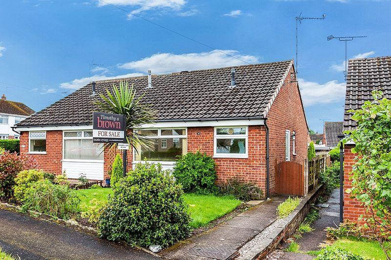 2 Bedrooms Bungalow for sale in Churchill Close, Congleton
